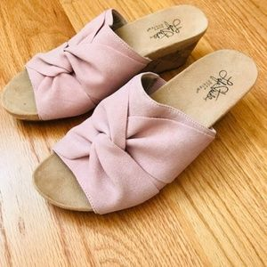 """NWOT Life Stride """"Mallory"""" Wedge Sandals"""